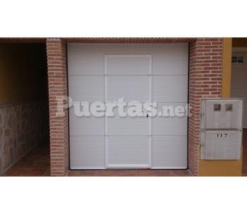Puerta seccional con motor for Motor puerta seccional