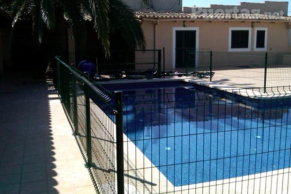 Vallas de seguridad para piscinas: protección durante todo el año