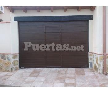 Puertas de garajes basculantes - Motor puerta garaje seccional ...