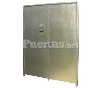 Puertas de garajes for Puerta galvanizada