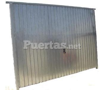 Puertas de garajes for Puerta garaje basculante precio
