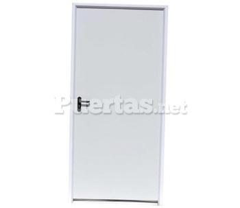 Puerta lacada blanca for Puertas de paso metalicas